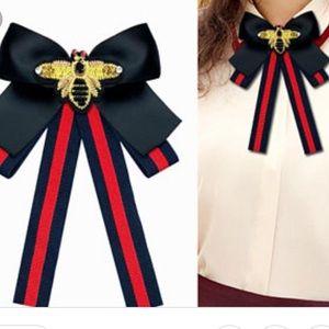 Jewelry - Collar bow